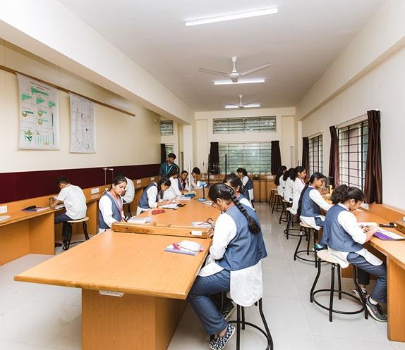 Science Lab in RV PU College