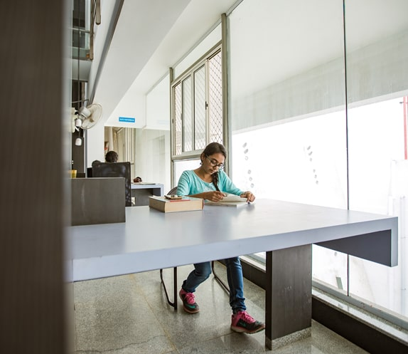 Library of RVCA - Best Architecture College in Bangalore